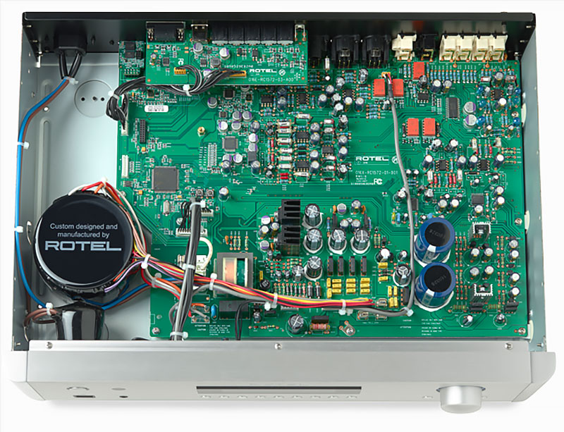 Rotel RC 1572 interieur